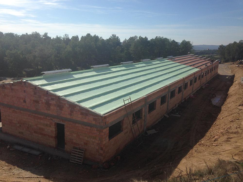Detalle de tejado con machiembrado inyectado.
