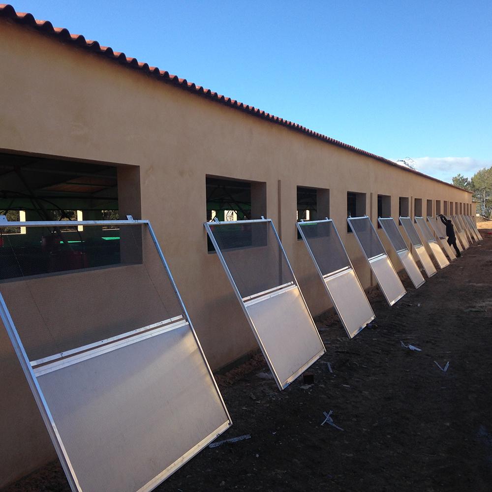 Colocación ventanas de policarbonato.