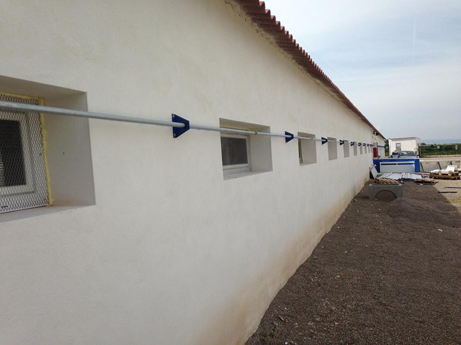 Apertura ventanas de PVC abatibles.