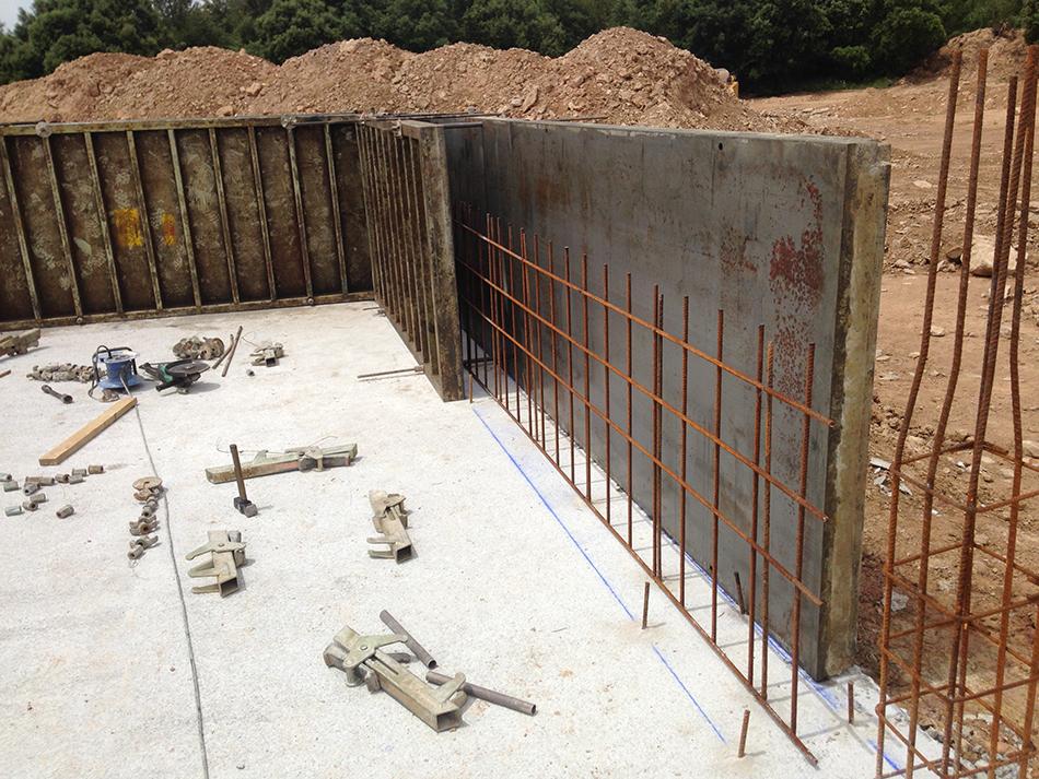 Detalle muro perimetral encofrado.